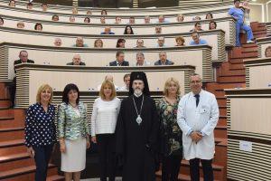 """Изпълнителният директор на ИА """"Медицински надзор"""" присъства на представянето на робота Da Vinci"""